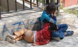 يقع في المغرب: سيدة تتخلى عن إبنيها ووكيل الملك بمحكمة تزنيت يوضح