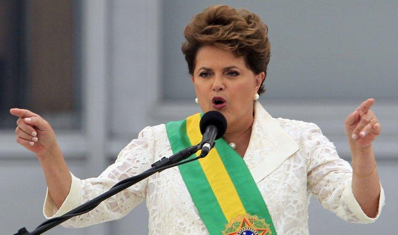 إقالة رئيسة البرازيل ديلما روسيف