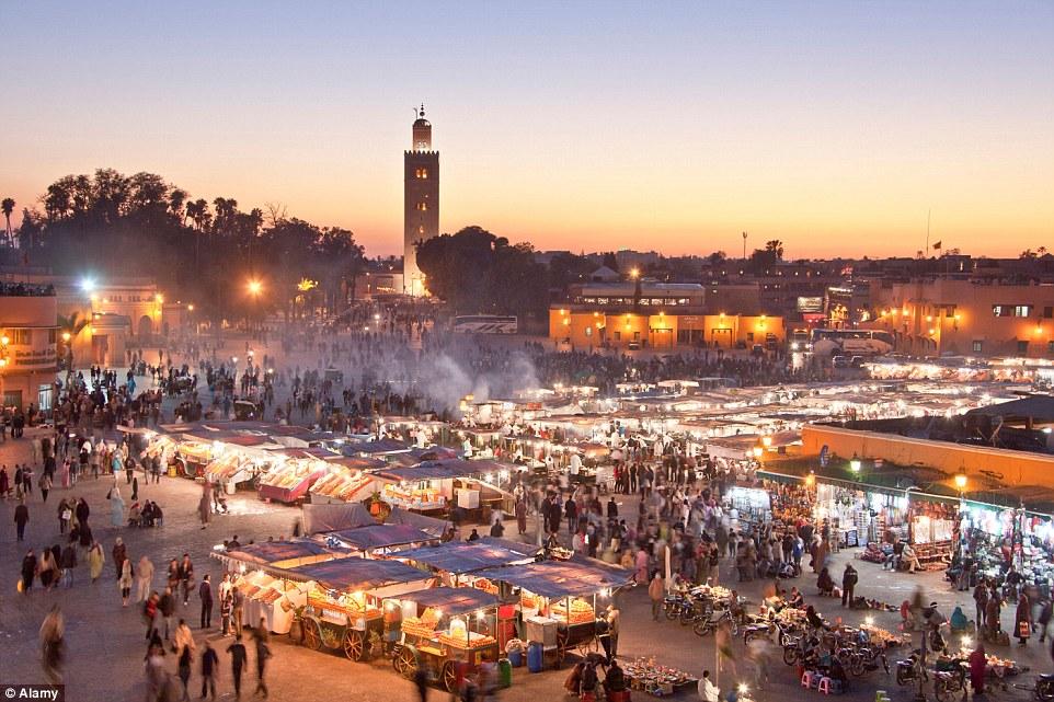 اندلاع حريق بمحل لبيع المأكولات الخفيفة بساحة جامع الفنا بمراكش