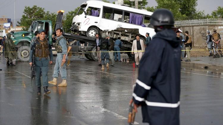 انفجار شاحنة مفخخة امام فندق يرتاده اجانب في كابول