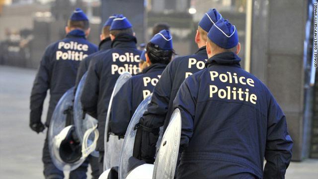 اعتقال رجل مسلح بمنجل في بلجيكا بعد يوم من إصابة شرطيتين