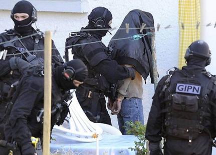 الأمن البلجيكي  يعتقل ثلاثة أشخاص في قضايا إرهابية