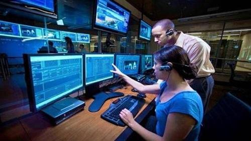 """برامج التجسس على الهواتف، تخصص اسرائيلي بامتياز  و""""آبل"""" و"""" اي فون"""" تحذر"""