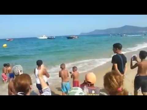 الملك محمد السادس والأميرة للا سلمى يمارسان رياضة الجيت سكي بشاطئ مرتيل