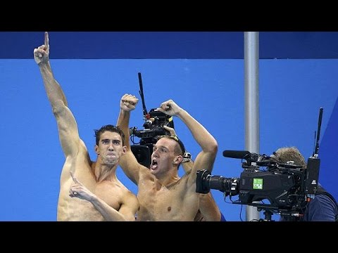 سباحو الولايات المتحدة يفوزون بمنافسات 400 م تتابع في أولمبياد ريو