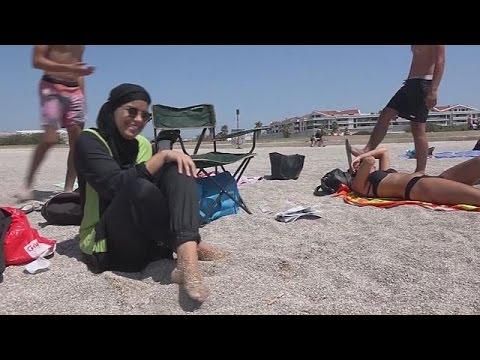 حظر لباس سباحة المحجبات على الشواطئ
