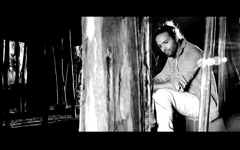 ايلام جاي يطلق كليب أغنيته مع رجاء بلمليح