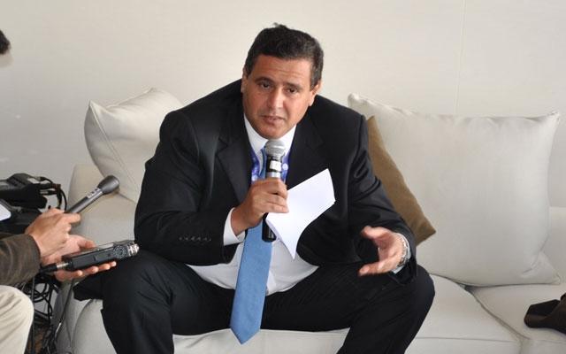 أخنوش يرد ببلاغ عقيم ويقول: لم يتم فتح أي تحقيق حول صفقات مخطط المغرب الاخضر