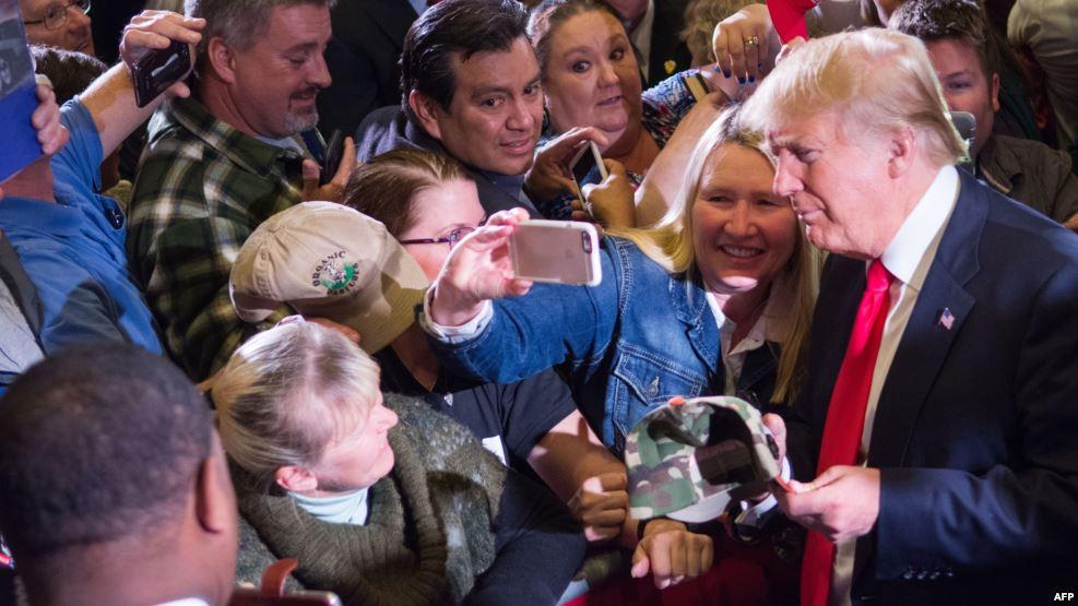 ترامب يجري تعديلات في فريقه الانتخابي ويعين صحفي رئيسا للحملة