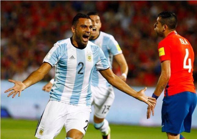 اشبيلية يتعاقد مع المدافع الأرجنتيني ميركادو