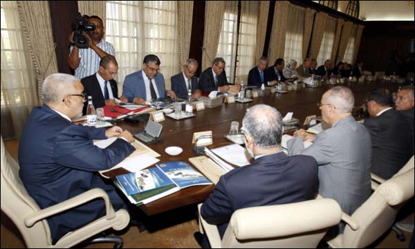 مجلس الحكومة يتدراس مشروعي قانونين تنظيميين يتعلقان بتفعيل الطابع الرسمي للأمازيغية و المجلس الوطني للغات والثقافة المغربية