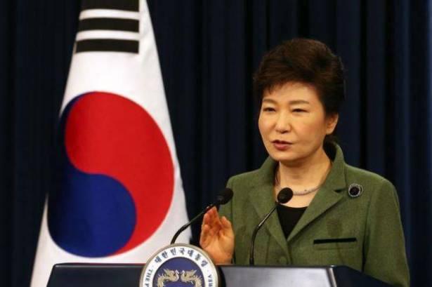 """كوريا الشمالية تصف الرئيسة الكورية الجنوبية """"بالمختلة عقليا"""""""
