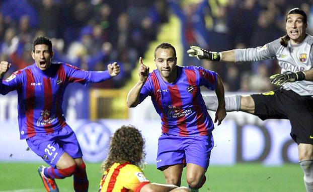 برشلونة يحقق الاهم والزهر يحتفل بعيد ميلاده بافضل طريقة