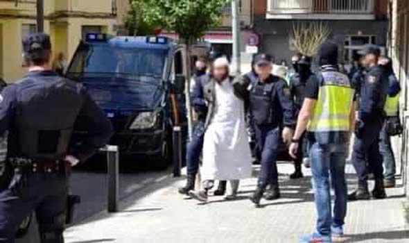 الشرطة الاسبانية توقف شبكة لادخال ايرانيين مقابل 50 الف يورو