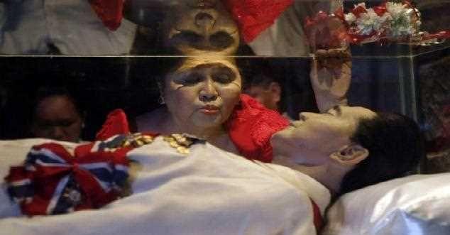 """قرار دفن دكتاتور الفلبين ماركوس في """"مقبرة الأبطال"""" يثير جدلا"""