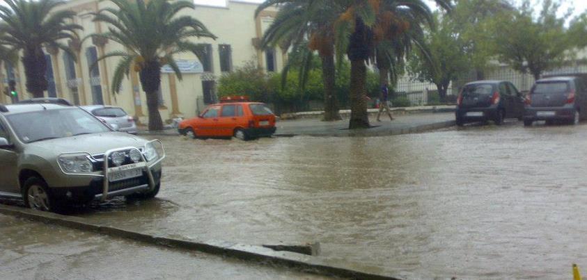 أمطار عاصفية قوية مرتقبة بالعديد من مناطق المملكة