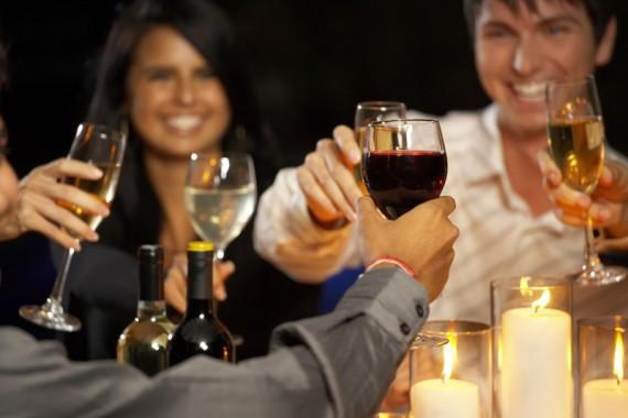 لسكارى…..دراسة تقول: الزواج حل لمشكلة تعاطي الخمور
