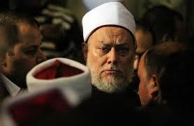 نجاة مفتي مصر السابق علي جمعة من محاولة اغتيال  بالرصاص امام مسجد