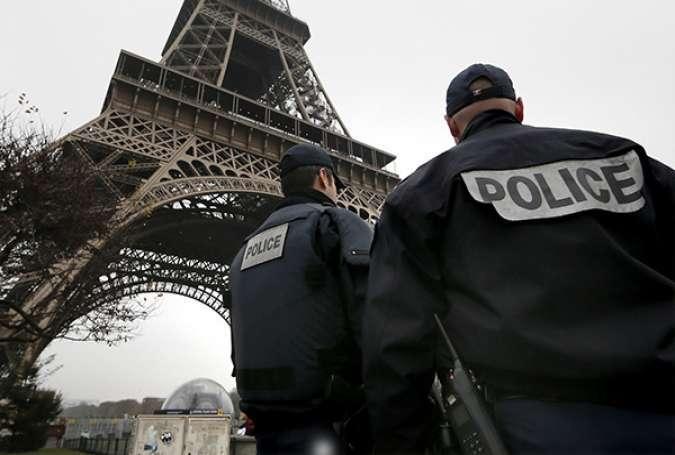 الظلام يجتاح فرنسا وسط تنامي الإرهاب والكراهية