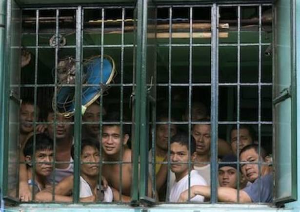 اسلاميون متطرفون يهاجمون سجنا بجنوب الفيليبين وهروب 28 سجينا
