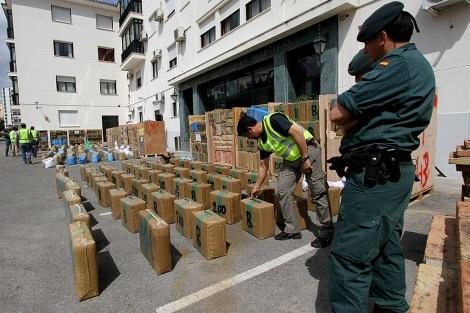 حجز ثمانية أطنان من المخدرات والقبض على 12 شخصا