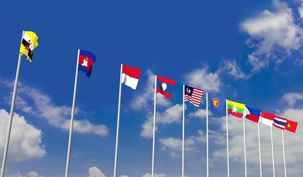 المغرب يوقع بلاووس على وثائق الانضمام إلى معاهدة الصداقة والتعاون لرابطة دول جنوب شرق آسيا
