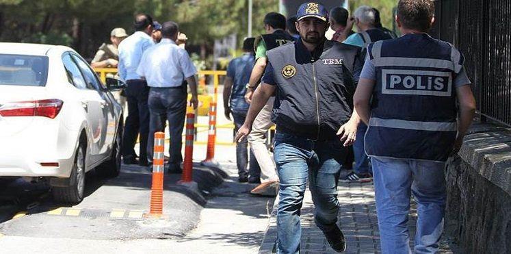 اغتيال نائب برلماني من الحزب الحاكم في تركيا أمام منزله جنوب شرق البلاد