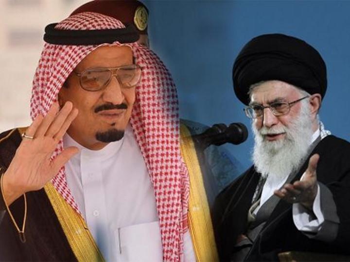 """مفتي السعودية ردا على انتقادات خامنئي: """"هؤلاء ليسوا مسلمين"""""""