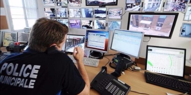 15 الف شخص في فرنسا تحت المراقبة الأمنية والاستخباراتية