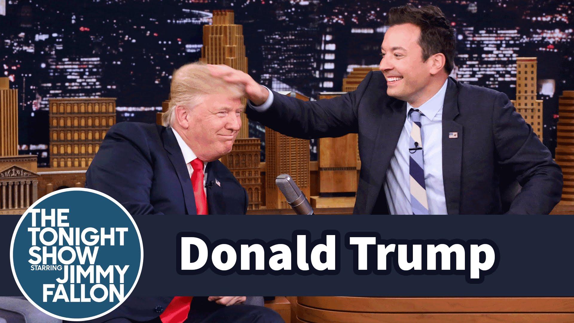 مذيع ينفش شعر ترامب