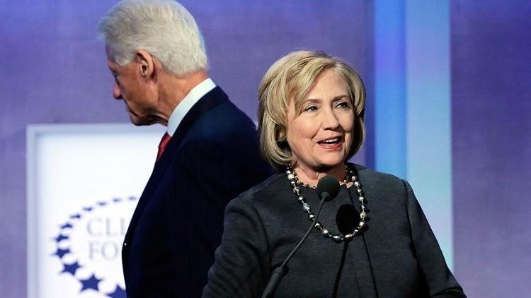 """من تسريبات بريد كولن باول ..قال عن هيلاري كلينتون """"جشعة لاتتغير"""" وزوجها بيل """" مازال يلاحق النساء! """""""