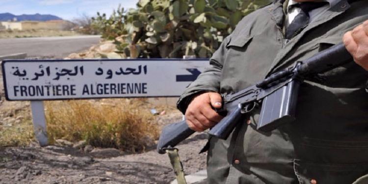الجزائر تمنع الليبيين من دخول أراضيها