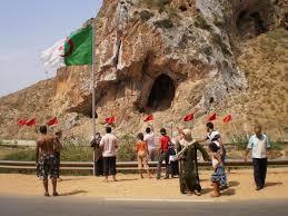الجزائر تصعد ضد المغرب و الحرس الحدودي  يوقف 84 مغربيا