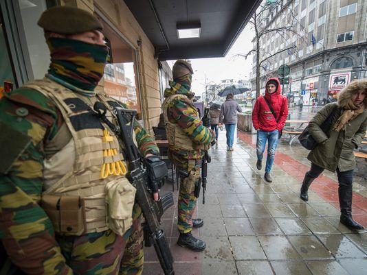 الحكومة البلجيكية تمدد انتشار الجيش في الشوارع لشهر آخر