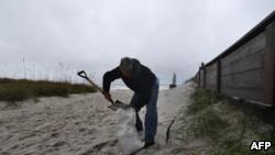 الإعصار ماثيو يضرب فلوريدا وارتفاع عدد القتلى في هايتي إلى 572