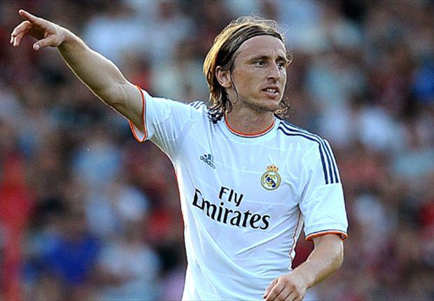 فريق ريال مدريد الاسباني يفتقد لاعب وسطه مودريتش لمدة شهر