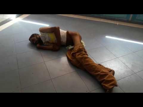 فضيحة مستشفى بني ملال مشرد  ضحية حادثة يحتضر في صمت