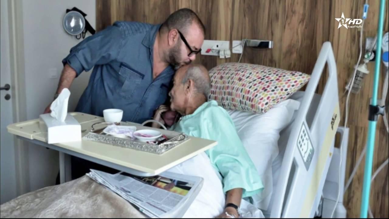 في مشهد مؤثر .. الملك محمد السادس يقبل رأس عبد الرحمان اليوسفي بالمستشفى