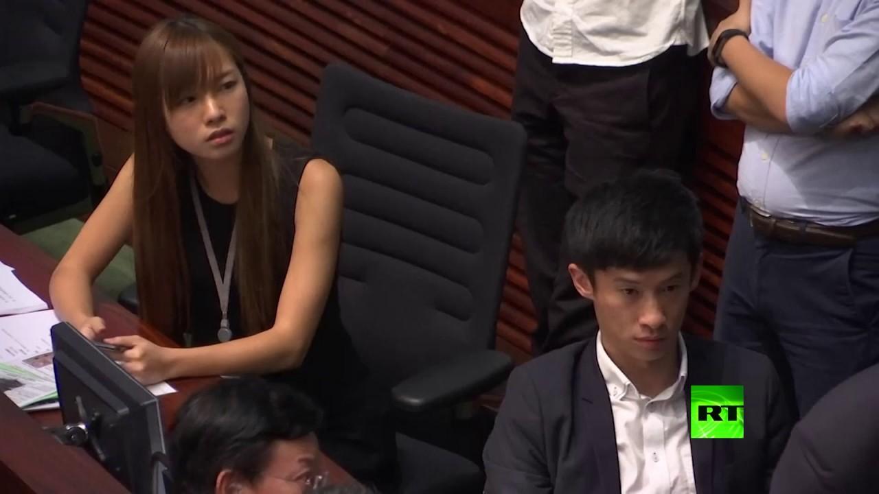 فوضى في برلمان هونغ كونغ بعد اقتحامه من قبل مؤيدين للاستقلال