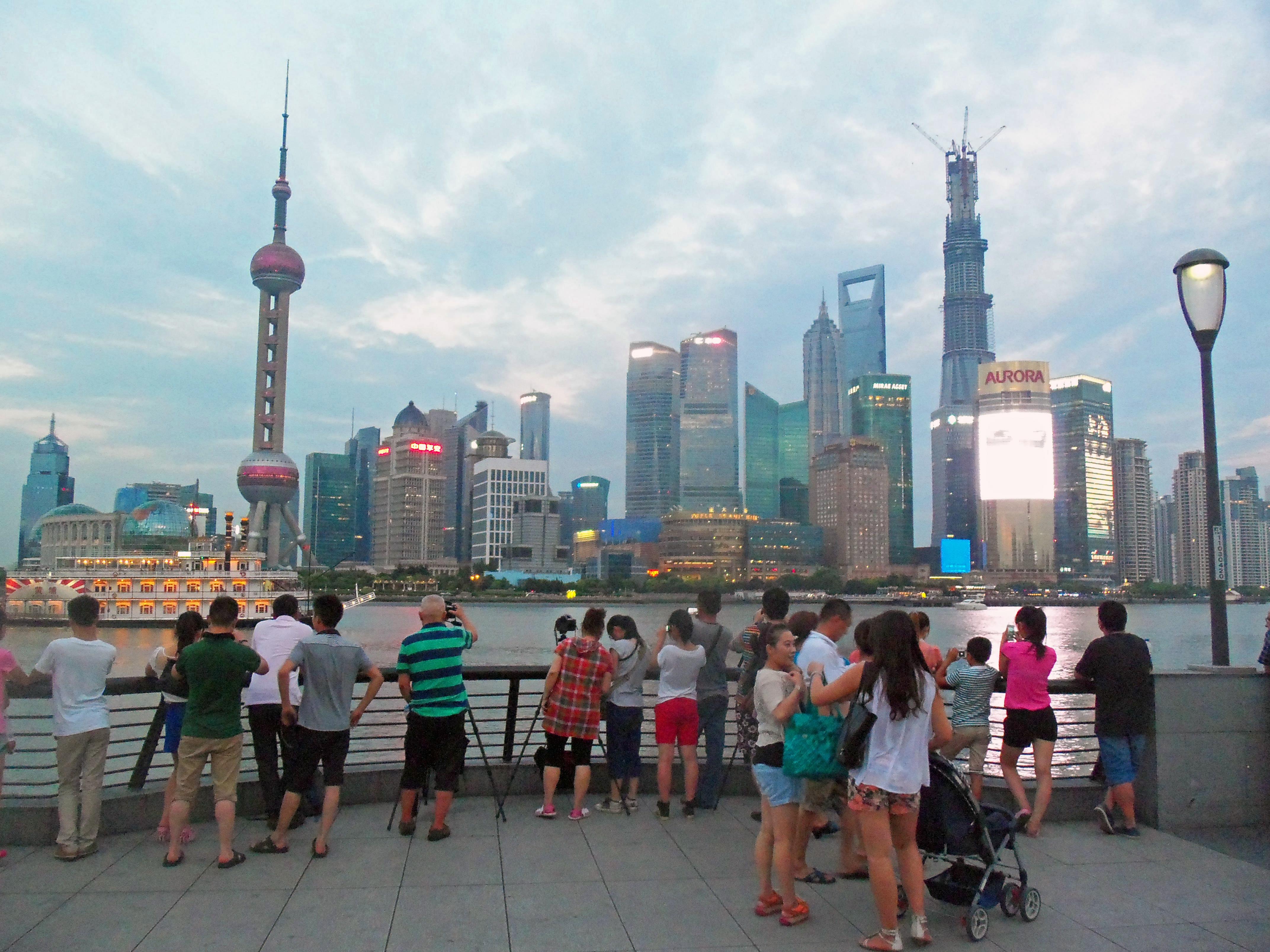 الصين تعفي السياح  من التأشيرة