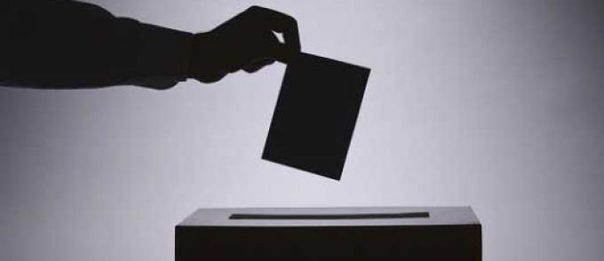 أسفي: هذه حقيقة إرغام رؤساء مكاتب التصويت على التوقيع على محاضر فارغة