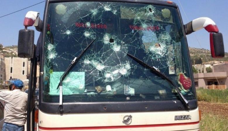 تلاميذ يرشقون حافلة سياح ألمان بالحجارة بخنيفرة