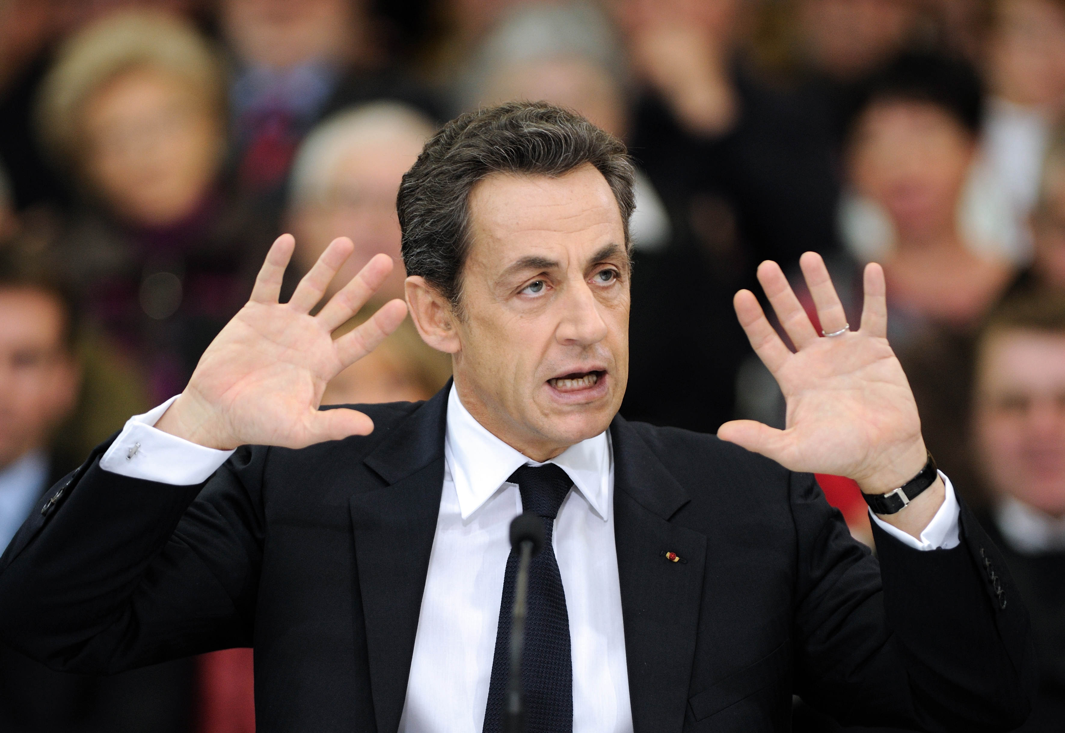 مرشحو اليمين الفرنسي ركزوا هجماتهم على ساركوزي في مناظرتهم الثانية