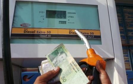 رغم انخفاض سعر المحروقات على المستوى العالمي، لم يسجل في المغرب انخفاض في سعر البنزين