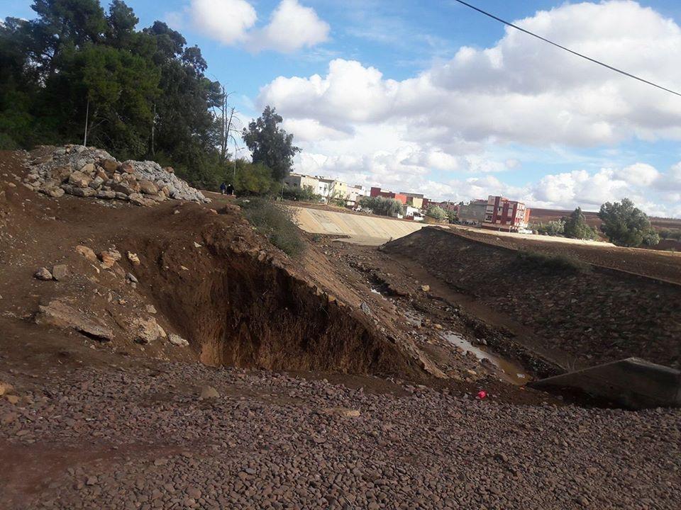 سقوط القناطر بمدينة الرماني في غياب تام للسلطات المحلية
