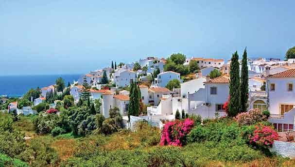 الأثرياء المغاربة اقتنوا 17 ألف عقار بإسبانيا.