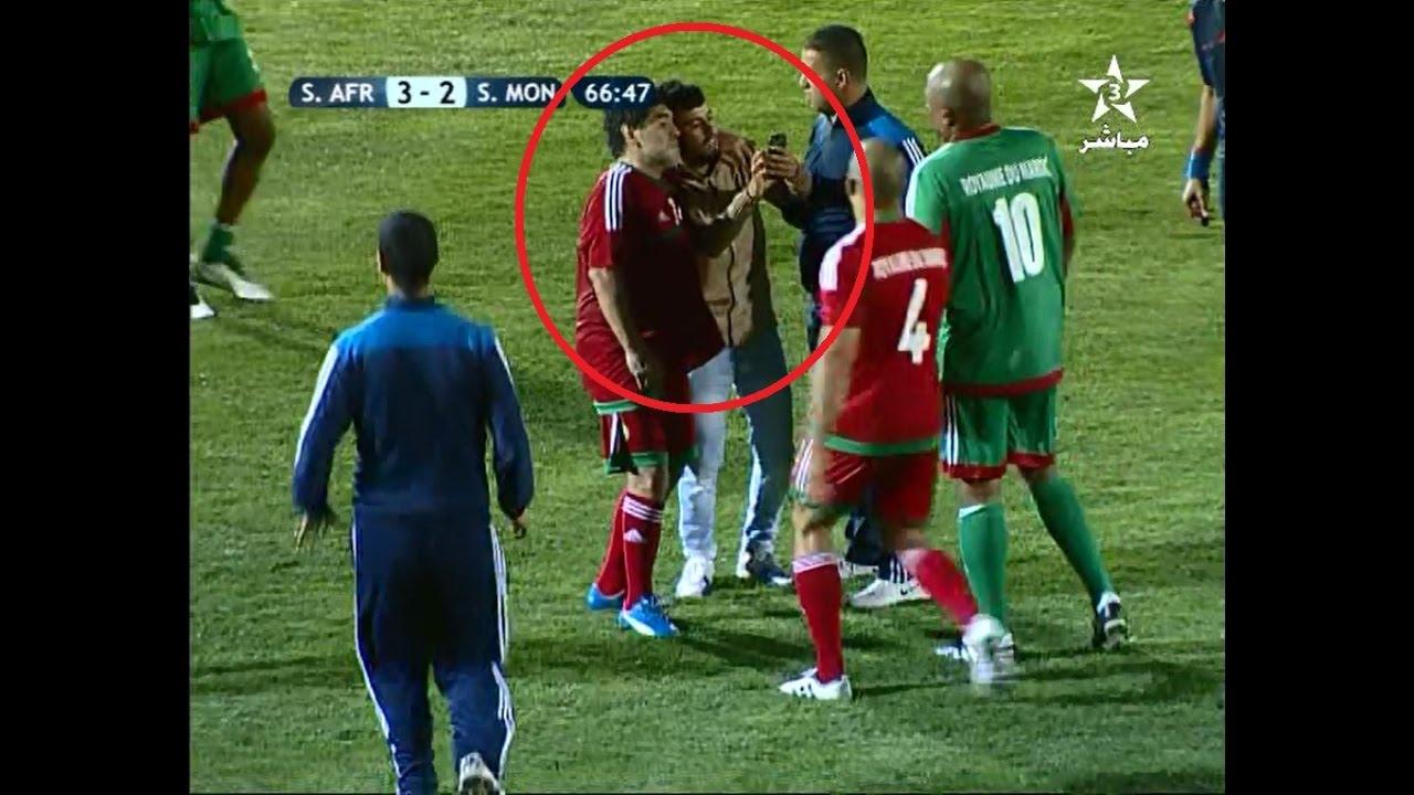 مشجع يقتحم الملعب لأخد سيلفي مع مارادونا
