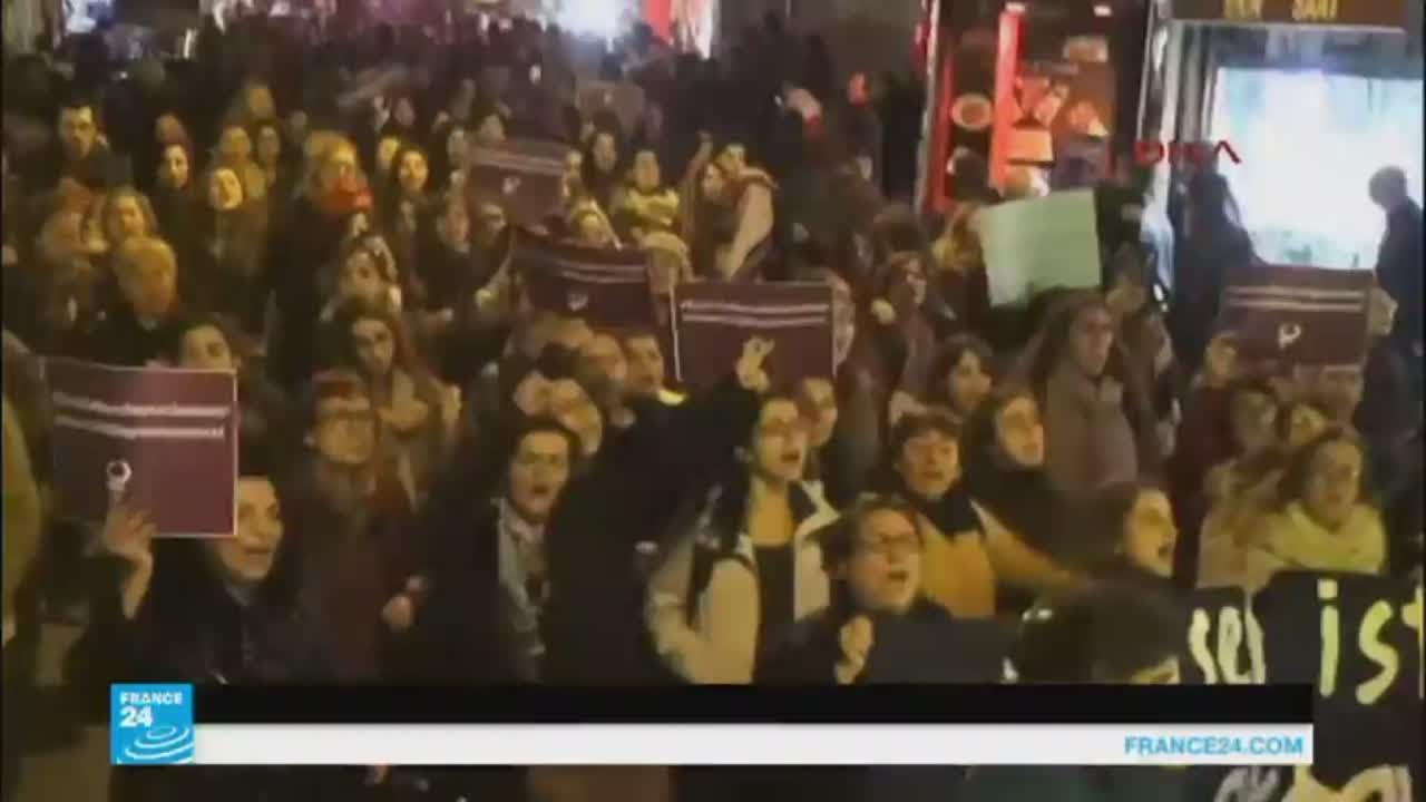 """غضب في تركيا ضد قانون """"يبرئ"""" المتهمين باعتداءات جنسية على قاصرات"""