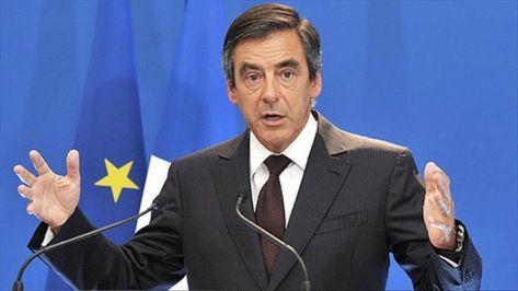 فرنسوا فيون يفوز بفارق كبير في الانتخابات التمهيدية لليمين الفرنسي
