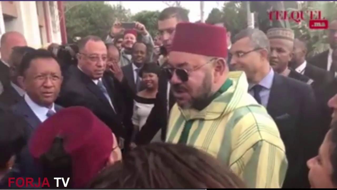 رائع.. الملك محمد السادس يتكلم بالفرنسية و بحس فكاهي بمدغشقر مع صديق الملك الراحل محمد الخامس